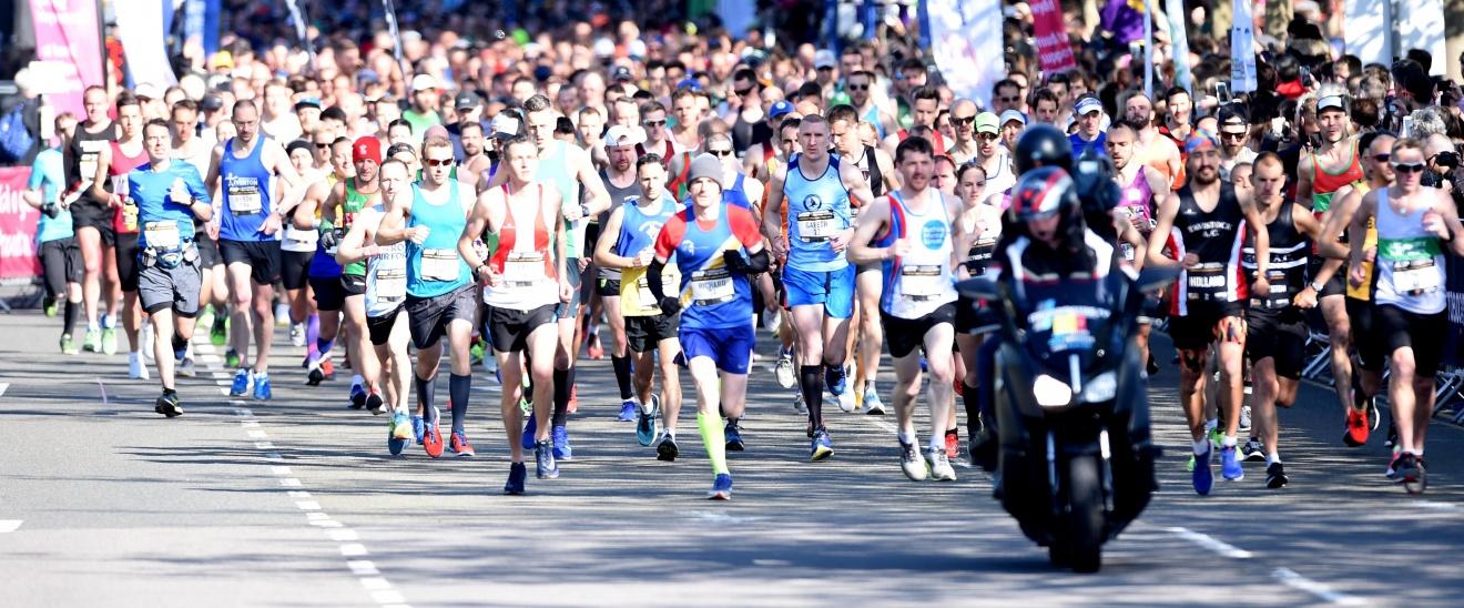 Newport Marathon start line